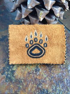 Beadwork, Beading, Bear Paw Print, Bear Paws, Purse Wallet, Moccasins, Alaska, Bears, Wallets
