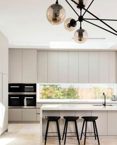 The Best Way To Incorporate Contemporary Style Kitchen Designs At Home Kitchen Dinning, Home Decor Kitchen, New Kitchen, Home Kitchens, Kitchen Ideas, Kitchen Rustic, Kitchen White, Small Kitchens, Kitchen Small