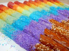 Rainbow Pretzel Sticks – Sometimes I wish I could just reach out and grab a rainbow. Dipped Pretzel Sticks, Chocolate Dipped Pretzels, Pretzel Dip, Chocolate Coating, Melting Chocolate, Rainbow Snacks, Rainbow Desserts, Rainbow Crafts, Rainbow Sprinkles