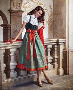 Dirndl Dress, Dress Up, Lovely Dresses, Vintage Dresses, Oktoberfest Outfit, Fashion Terms, German Fashion, Costume Patterns, Folk Fashion