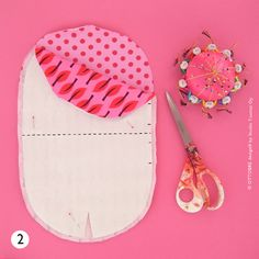 super ideas for how to sew a hat tutorials how to make Baby Sewing Projects, Sewing For Kids, Free Sewing, Hat Patterns To Sew, Sewing Patterns, Slouchy Beanie Pattern, Kids Beanies, Hat Tutorial, Diy Hat