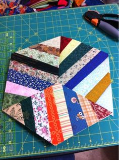 I have been trying to do the same thing with Civil War fabrics!