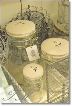 jars with numbered lids...<3