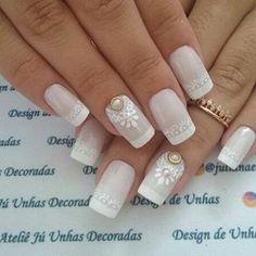 Unhas do Dia!! . . #lindissima . . #casamento2016 #casamento2017 #noivas #noivas2016 #noivas2017 #instabride #marriage #wedding #weddingday #photography #savethedate#honeymoon #vestidodenoiva #instawed #instawedding #teambride #love #noiva #sayido #ido #like4like#unhasdenoiva Cute Nail Art, Cute Nails, Wonder Nails, Fall Nail Colors, Bridal Nails, Spring Nails, Pedicure, Nail Art Designs, Nailart