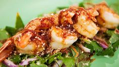 Roasted Tiger Prawn Salad with sesame and Tamarind dressing. Recipe from Everyday Gourmet with Justine Schofield Prawn Recipes, Fish Recipes, Seafood Recipes, Paleo Recipes, Asian Recipes, Cooking Recipes, Ethnic Recipes, Gourmet Recipes, Thai Prawn Salad