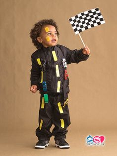 51 Kid Halloween costumes that are easy to make These costumes are faster than the lineup at the party store and easier than one of those fancy pumpkin-carving stencils. Hipster Halloween Costume, Easy Homemade Halloween Costumes, Toddler Halloween Costumes, Halloween Kids, Halloween Couples, Group Halloween, Halloween 2020, Pun Costumes, Candy Costumes