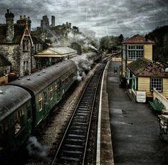 Michael Marsh photo: one way ticket | Flickr - Photo Sharing! Corfe Castle