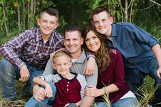 Photography poses family of five outfit Ideas for 2019 Fall Family Picture Outfits, Family Picture Colors, Family Picture Poses, Family Outfits, Picture Ideas, Photo Ideas, Large Family Photos, Family Christmas Pictures, Fall Family Photos