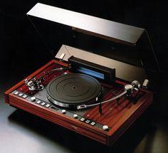 THORENS TD226 1982 - www.remix-numerisation.fr - Rendez vos souvenirs durables ! - Sauvegarde - Transfert - Copie - Digitalisation - Restauration de bande magnétique Audio - MiniDisc - Cassette Audio et Cassette VHS - VHSC - SVHSC - Video8 - Hi8 - Digital8 - MiniDv - Laserdisc - Bobine fil d'acier