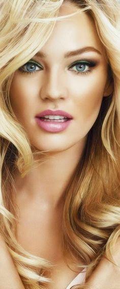maquillage des yeux bleus porté par Candice