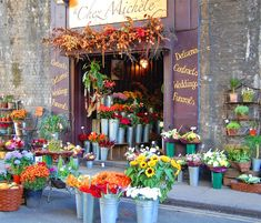 Visited this exact flower shop when we were in London! It was absolutely beautiful! Flower Cart, My Flower, Flower Power, Matilda, Produce Displays, Pink Poppies, Flower Stands, Dinners For Kids, Spring Day