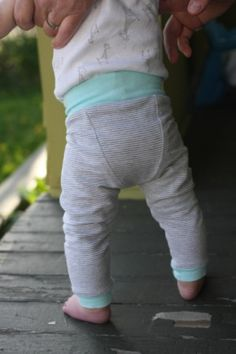 Titchy Threads - Fancy Pants Leggings - PDF Pattern