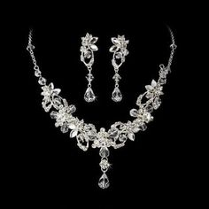 Silver Swarovski Clear Sparkling Bridal Jewelry Set Click to Enlarge Click to Enlarge Your wedding jewelry will be in your treasured photos forever, so make it special. We search for only the best so