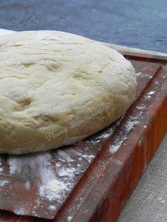 Pâte à pizza inratable, facile et rapide (recette pour 2 grandes pizzas)