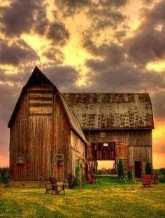 141 Amazing Old Bams and Farms Photos