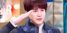 Kyuhyun shares his affection and appreciation for 'Radio Star' before heading to the military http://www.allkpop.com/article/2017/05/kyuhyun-shares-his-affection-and-appreciation-for-radio-star-before-heading-to-the-military