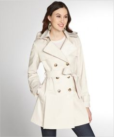 Late April is the perfect season for a light jacket. We found 9 adorable light jackets for balmy days and breezy nights. Spring Summer Fashion, Winter Fashion, Hooded Trench Coat, Baggy Sweaters, Light Jacket, High Fashion, My Style, Cotton, How To Wear