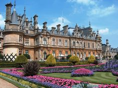 ARCHITECTURE Waddesdon Manor. Built between 1874 and 1889 for Baron Ferdinand de Rothschild.