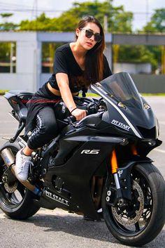 Cars Discover Yamaha Girl Beautiful Thailand Girl Model Hana Lewis With Yamaha Bike Yamaha R6, Yamaha Bikes, Honda Motorcycles, Vintage Motorcycles, Lady Biker, Biker Girl, Fille Et Dirt Bike, Dirt Bike Girl, Girl Bike