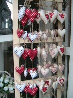 You will want to try valentines handicraft decoration 27 - Valentinstag Christmas Decorations Sewing, Christmas Sewing, Valentines Day Decorations, Christmas Diy, Valentine Wreath, Valentine Day Crafts, Xmas Crafts, Christmas Projects, Christmas Hearts