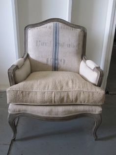 Another sitting chair option for living room.  Love the casual fluffy look.  Very welcoming.
