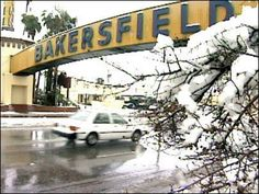 Bakersfield and snow! - A rare sight in Bakersfield.  I think it's snowed twice since I've been old enough to recognize snow.  I'm 58 now so, that tells you how rare this is.