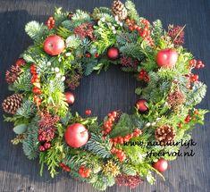 Kerstkransen - Kerstkrans vers 50 cm red x-mas - Natuurlijk Sfeervol - powered by Light Decorations, Christmas Decorations, Holiday Decor, Merry Xmas, Holiday Wreaths, Floral Wreath, Workshop, My Etsy Shop, Blog