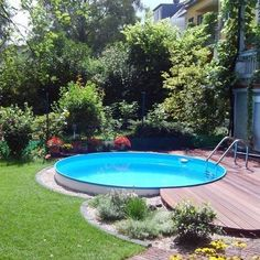 Above Ground Pool Ideas - In the summer, people like spending few hours in the swimming pool. Do you do the same? However, you may hate the way your above ground pool looks in your backyard. Above Ground Pool Landscaping, Above Ground Pool Decks, Small Backyard Pools, Small Pools, Backyard Pergola, In Ground Pools, Backyard Landscaping, Backyard Ideas, Pergola Ideas