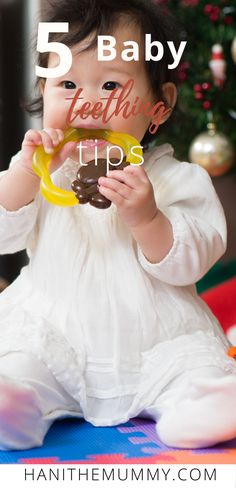 Has your baby started their teething journey. Here are some of the signs to look for plus tips on how to best comfort your little one. Healthy Kids, Healthy Recipes, Healthy Lifestyle Changes, Natural Parenting, Baby Must Haves, Baby Hacks, Teething, Pregnancy Tips, Organic Baby