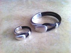 Unisex Bracelet and ring set in leather with silver zamak piece. Leather bracelet for women. via Etsy Couple Jewelry, Jewelry Sets, Wire Jewelry, Jewelry Crafts, Jewelry Making, Fabric Bracelets, Bracelets For Men, Infinity Jewelry, Equestrian Jewelry