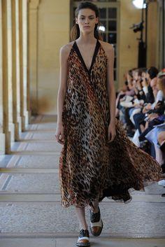Bouchra Jarrar Fall 2014 Couture Fashion Show - Kremi Otashliyska (Elite) Runway Fashion, High Fashion, Fashion Show, Fashion Design, Women's Fashion, Bouchra Jarrar, Looks Street Style, Dressy Dresses, Haute Couture Fashion