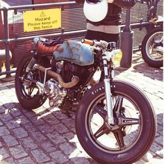"""this bike is freaking sick even if its all bang up (meant to be """"all banged up"""") Brat Bike, Cafe Racer Motorcycle, Custom Harleys, Custom Bikes, Cafe Racer Honda, Cafe Racers, Helmet Tattoo, Firestone Tires, Build A Bike"""