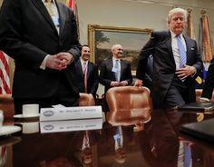 Na snímke americký prezident Donald Trump (vpravo)