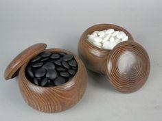 "A Japanese vintage ""Go"" game set ""kuwa"" wood pair bowl stone & slate black white"
