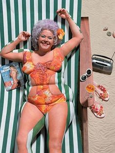 Creative and funny body painting. There is a skinny person hiding in all of us! this is hilarious! Body Painting, Faux Painting, Painting Art, Tv Ao Vivo, Bikini Ready, Humor Grafico, Loose Weight, Reduce Weight, Looks Cool