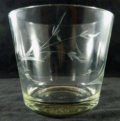 VINTAGE CLEAR ETCHED GLASS ROUND BOWL FLOWER POT VASE PLANTER LEAFY DESIGN