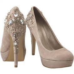 zapatos muy de moda los puedes combinas con tod