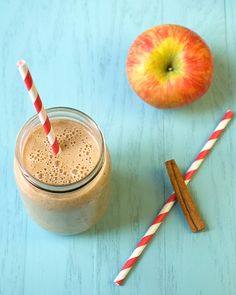 Apple almond flax smoothie