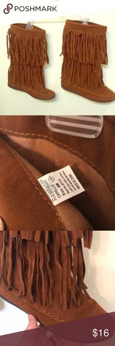 Fringe boots GREAT CONDITION Fringe moccasin boots great condition, soles have great traction Rampage Shoes Moccasins