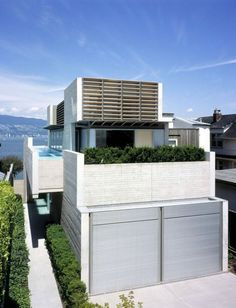 The Shaw House is located on a narrow waterfront property in Vancouver, Canada