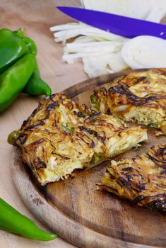 Frittata friggitelli e cavolo cappuccio con salsa di soia