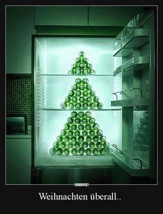 Bear bottle Christmas tree in the frige! Cool Pictures, Funny Pictures, Cool Christmas Trees, Xmas Trees, Facebook Humor, Picture Video, Haha, Cool Stuff, Holiday Decor