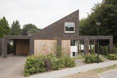 Pultdach für ein älteres Paar - Einfamilienhaus in den Niederlanden von Jan Couwenberg