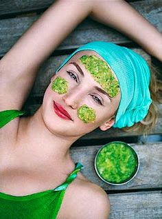 Mint mask for dark circles