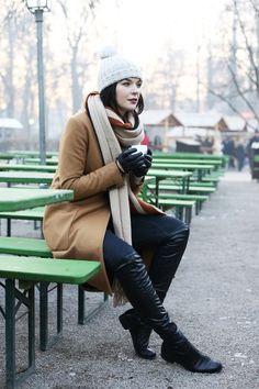 Black-shoe-star-boots-burnt-orange-zara-coat-off-white-massimo-dutti-sweater