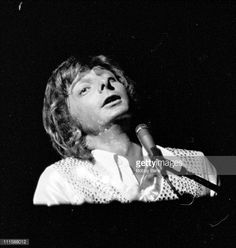 Barry Manilow in Concert at the Arista Festival City Center - September 21, 1975