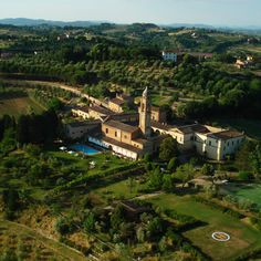 It's not entirely irrelevant that Siena's Hotel Certosa di Maggiano began its life in the century as a monastery: to this day it retains a certain ascetic. Best Hotel Deals, Best Hotels, Restaurants, Fine Hotels, Pool Bar, Great Hotel, Tuscany Italy, Hotel Reviews, Outdoor Pool