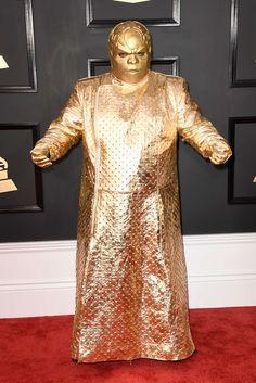 Noticias ao Minuto - A Internet não perdoou a roupa de CeeLo Green no Grammy; veja os memes!