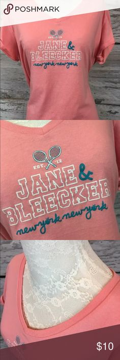 🆕 JANE & BLEECKER Jersey Style Tee Women's L JANE & BLEECKER Ultra SOFT Jersey Style Sleep Tee Peach Tennis Racquets Sz Large.   Loose comfort and laid-back style blend together perfectly in this comfortable sleep tee. The cotton-blend fabric is done in a  Jaspe-style knit for a unique look. It has deep V-neck, Jane & Bleecker crossed tennis racket graphic on front, Cuffed sleeves are stitched in place. Apple tag attached. J&B logo taping along inside collar.     From a smoke free home…