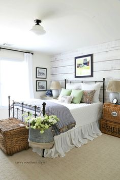 Farmhouse Bedroom by Savvy Southern Style: Fun Colorful Summer Guest Bedroom Farmhouse Bedroom Decor, Home Decor Bedroom, Country Cottage Bedroom, Modern Bedroom, Antique Bedroom Decor, Beach Cottage Bedrooms, Farm Bedroom, Bedroom Fun, Rustic Bedroom Furniture